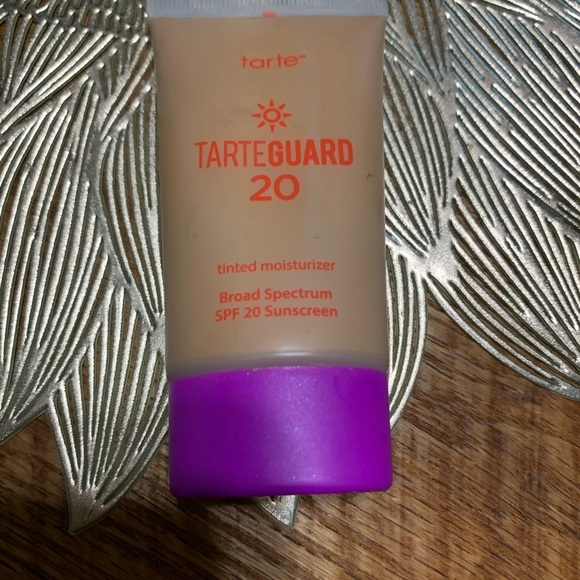 tarte tinted moisturizer, spf 20.